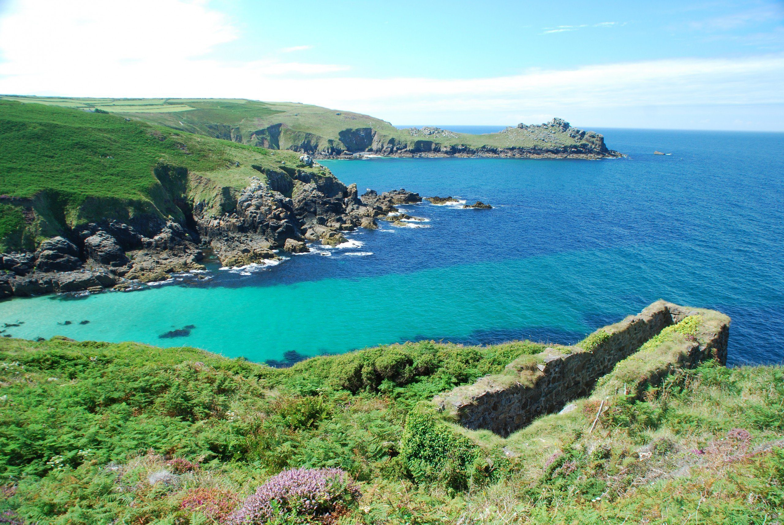 Beautiful aquamarine seas on the way to Land's End