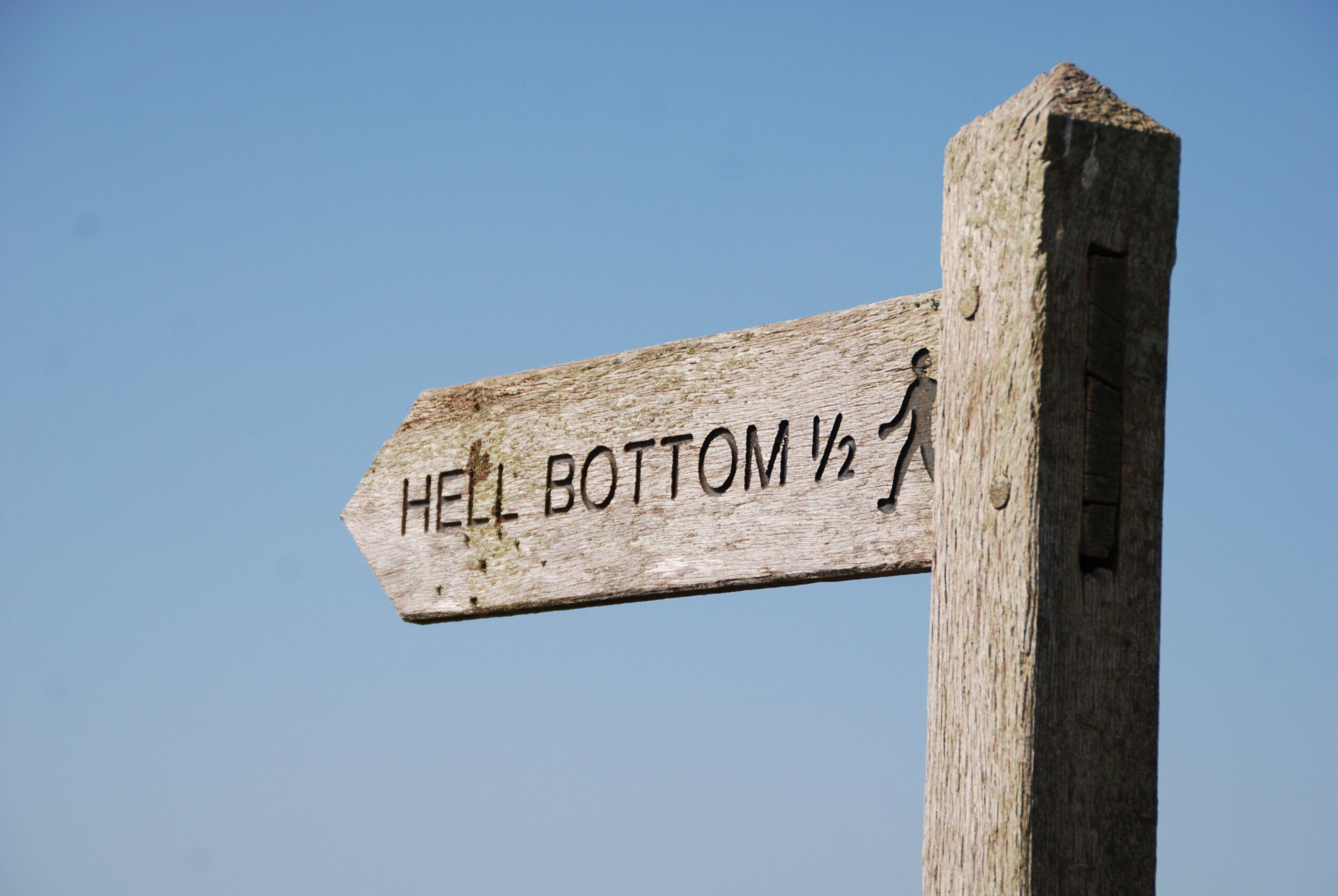 Signpost to Hell Bottom, 1/2 mile